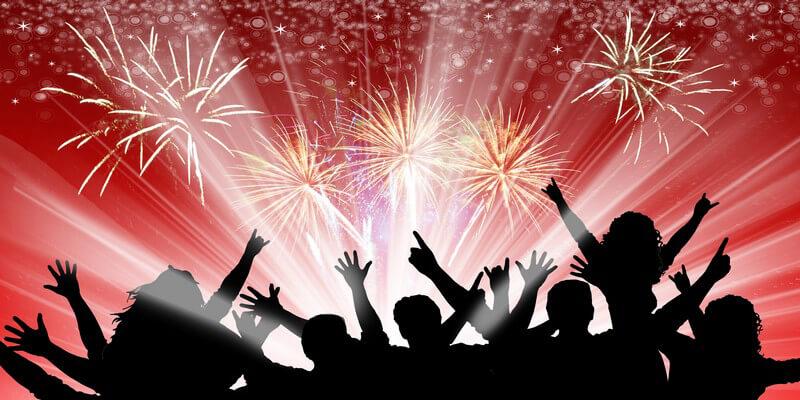 Grafik Menschenmenge auf Party, darüber Feuerwerk