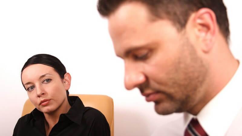 Psychotherapie, Mann bei Psychologin