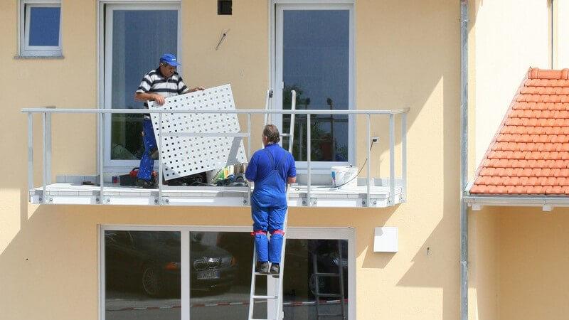 Neubau, Balkon des Hauses wird fertig gebaut
