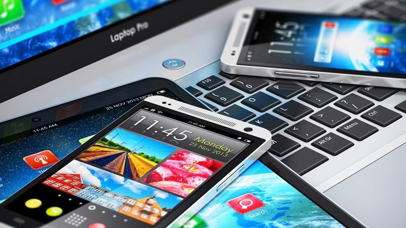 Moderne Mobilfunktgeräte - Smartphones, Tablet und Notebook