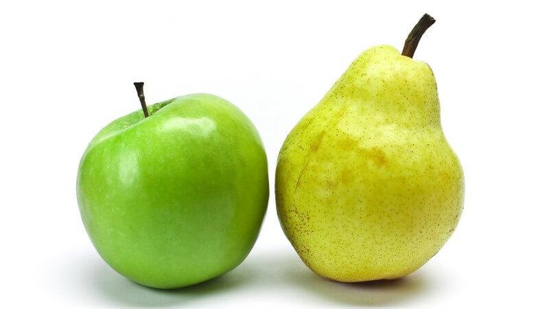 Apfel und Birne auf weißem Hintergrund