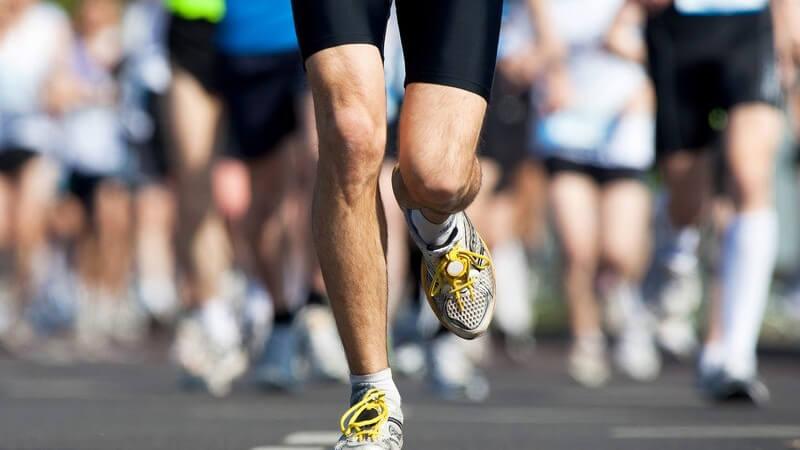 Beine eines Marathon-Läufers