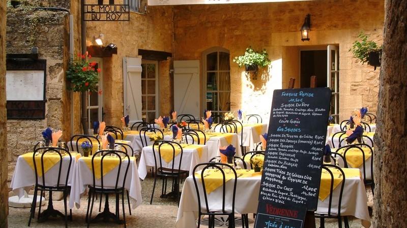 Innenhof eines französischen Restaurants