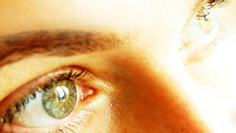 Grüne Augen und leerer Blick
