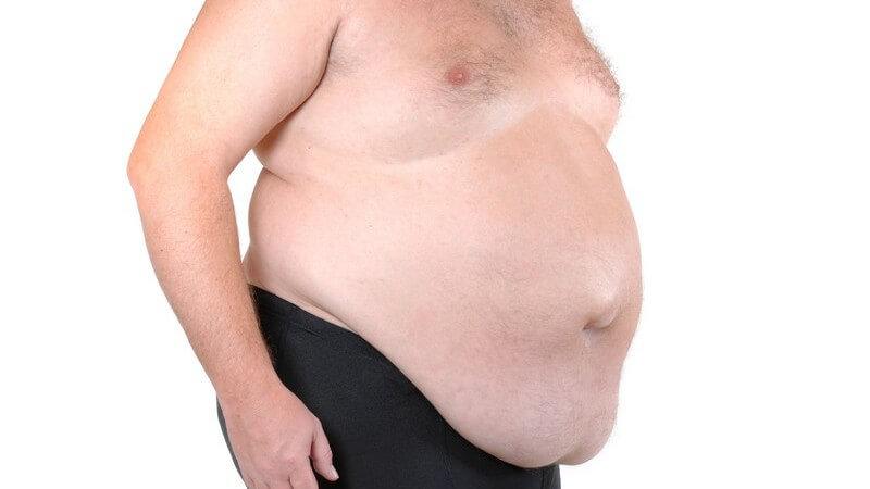 Seitenansicht männlicher Oberkörper mit dickem Bauch, Übergewicht