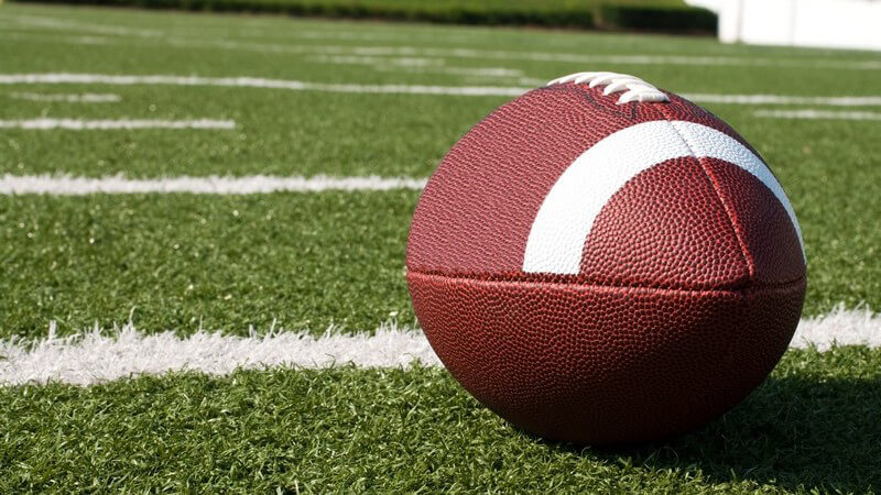 Football auf Rasen, Spielfeld