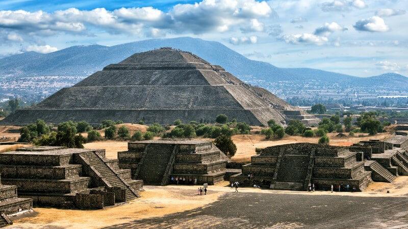 Pyramiden von Teotihuacan in Mexiko