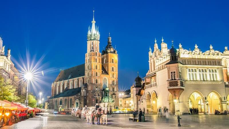 Hauptmarkt (Rynek Glówny) in Krakau, Polen