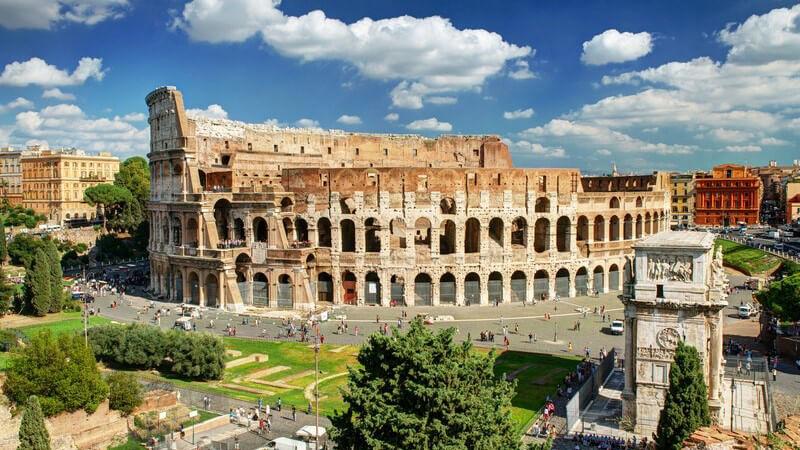 Blick auf das Kolosseum in Rom, Italien