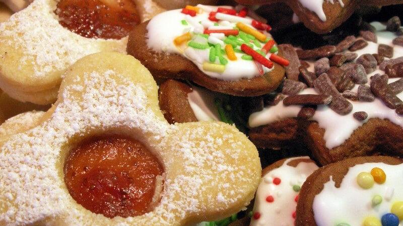 Nahaufnahme verschiedene Weihnachtsplätzchen