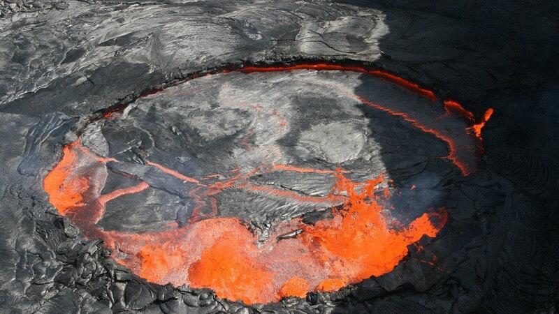 Lavasee am Erta Ale-Vulkan in der Danakil Wüste in Äthiopien